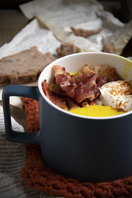 Vellutata di cavolfiore al curry con bacon e yogurt greco
