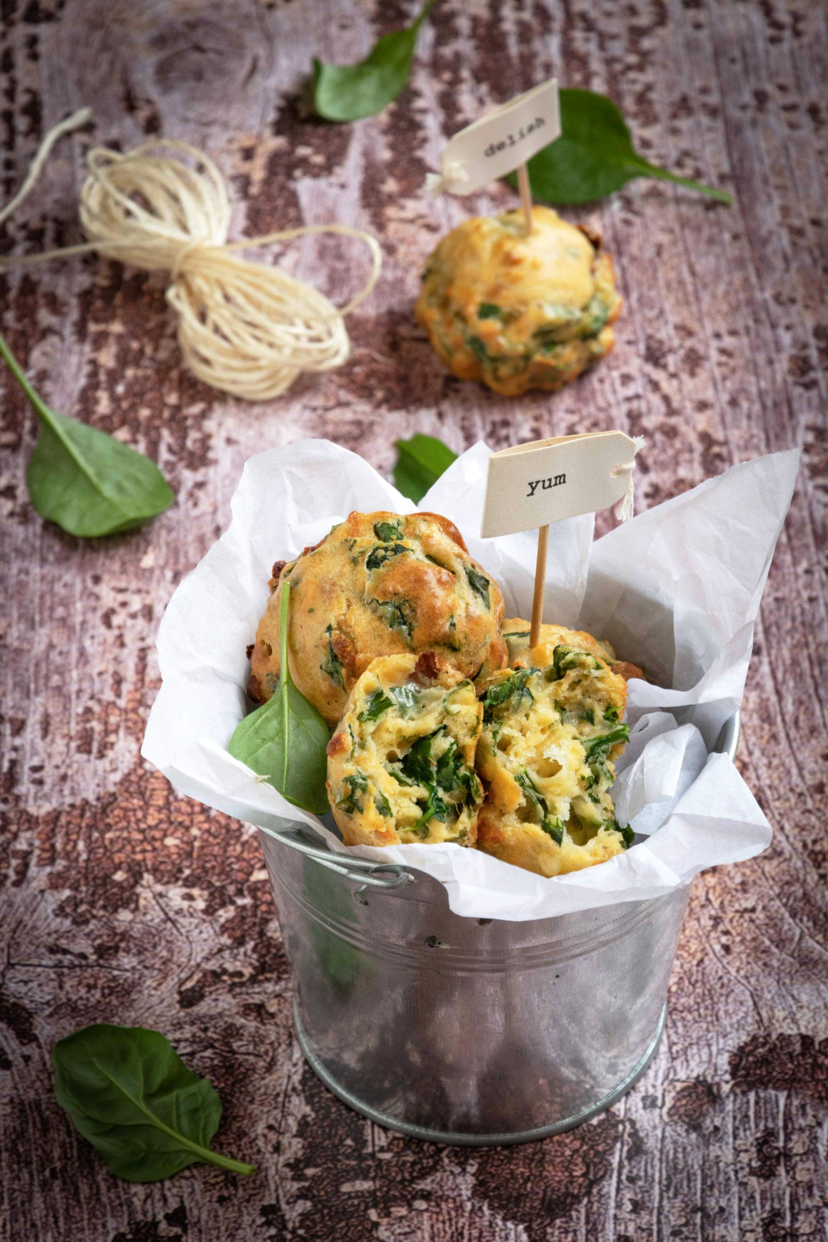 Madeleines agli spinaci e pomodori secchi