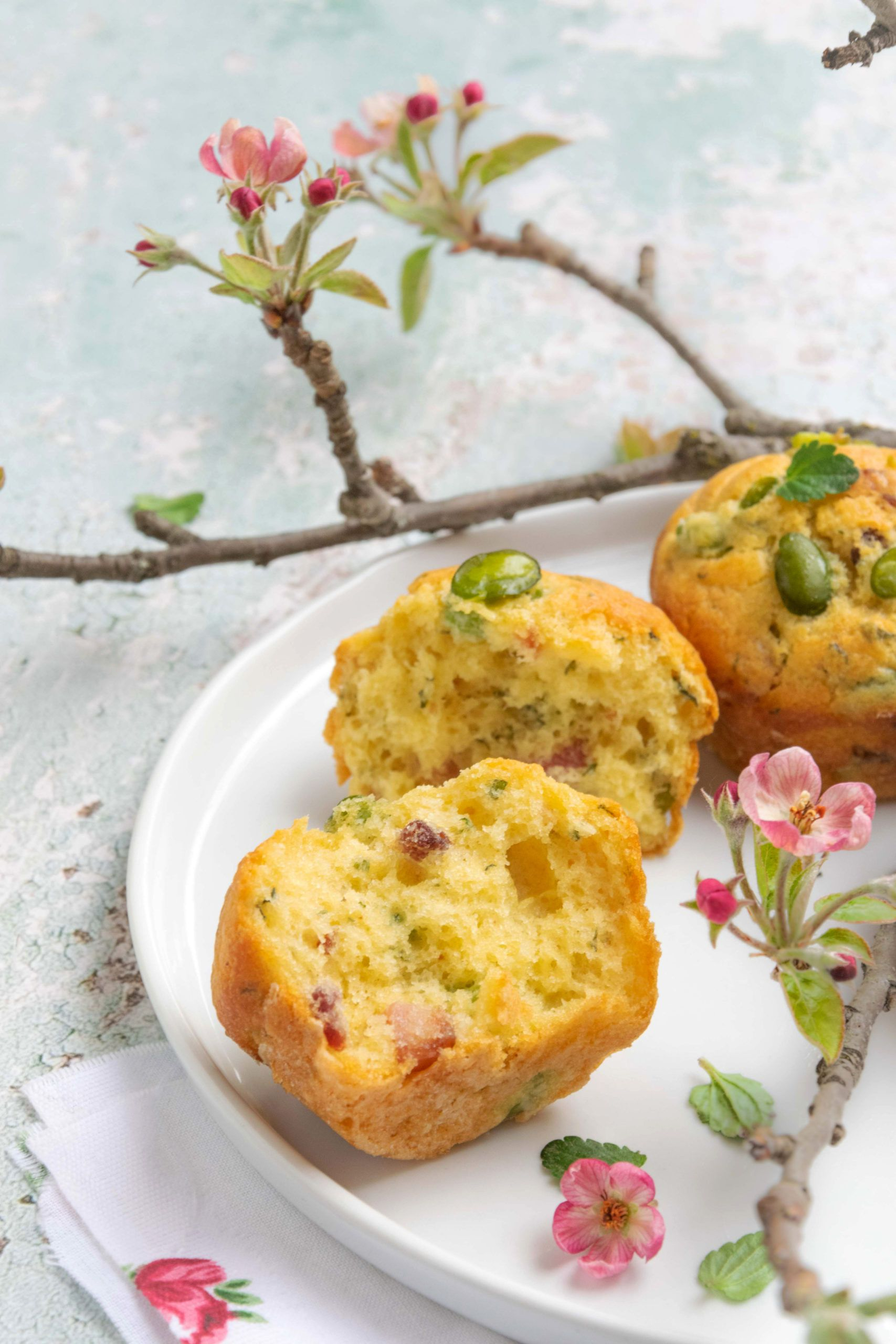 Muffins alle fave con guanciale